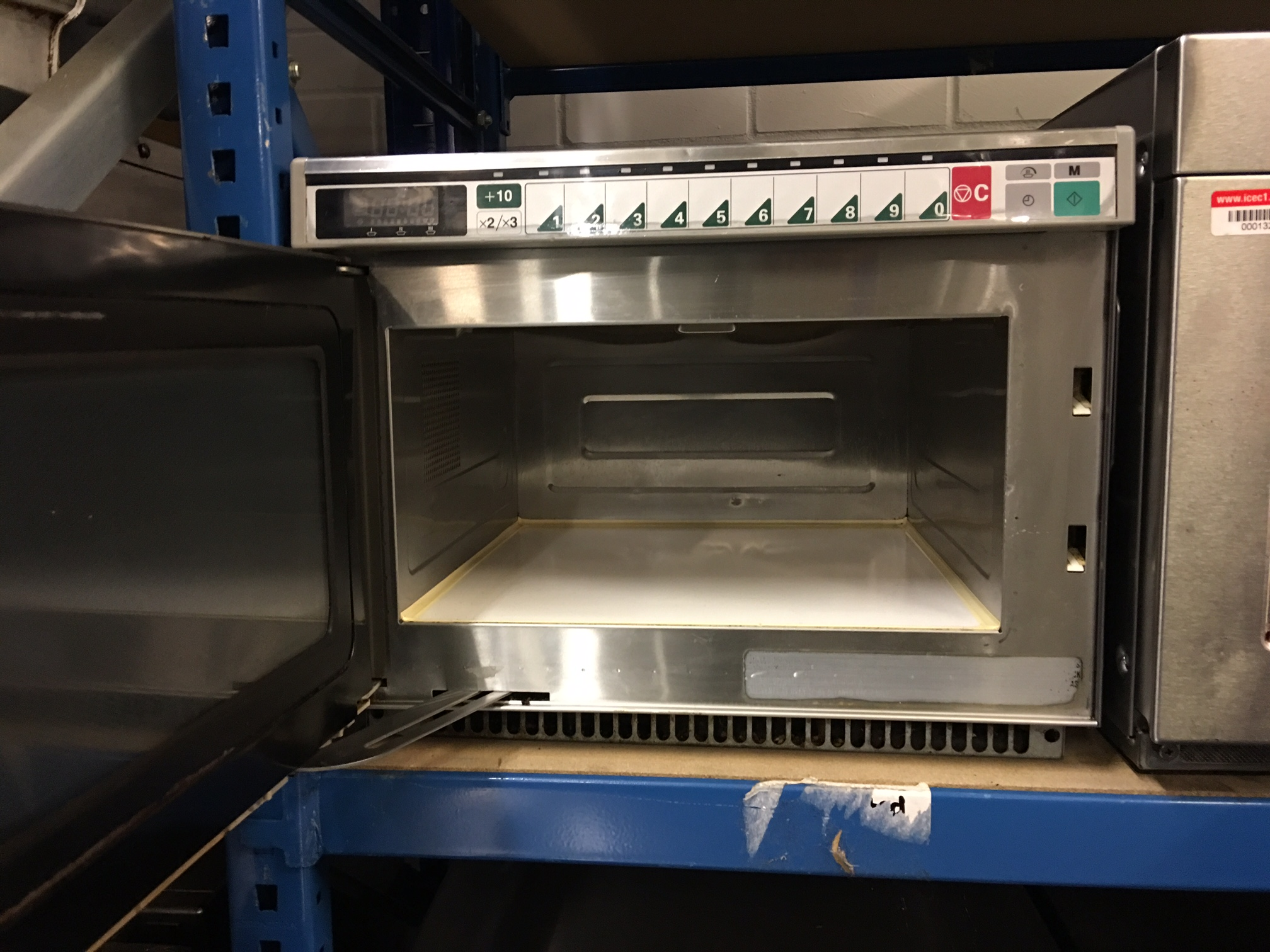 Sanyo Emc1901 Commercial Microwave 1900w Used Rational