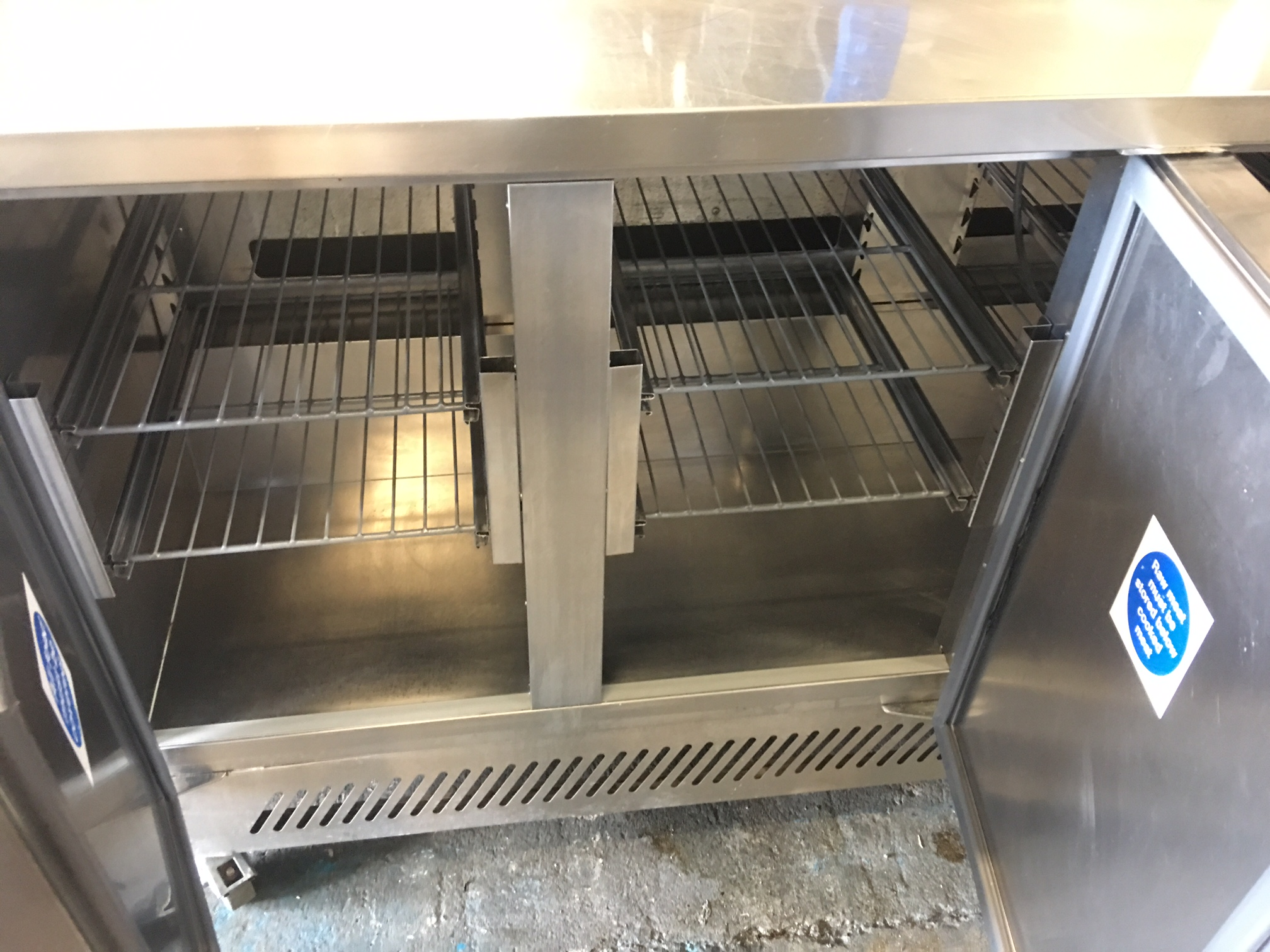 Williams 3 Door Refrigerated Saladette Counter With