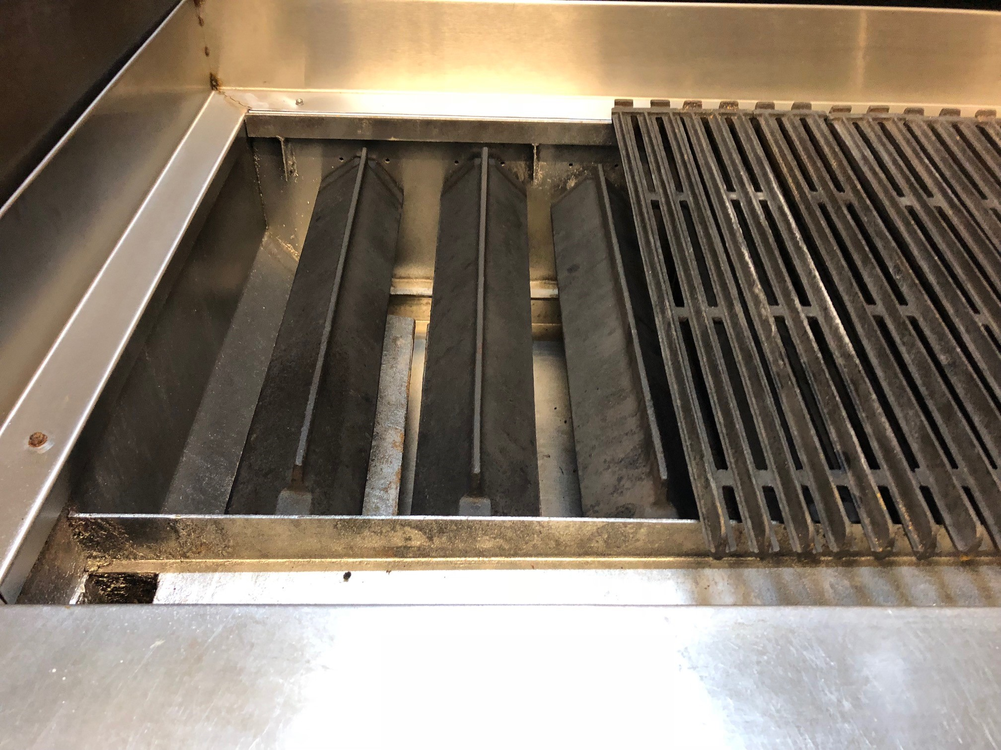 Imperial Charcoal Grill 8 Burner 1 2m Counter Top Radiant